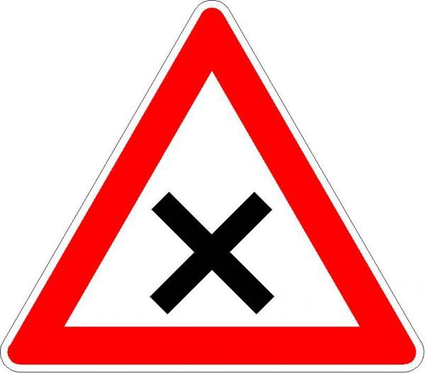 Kreuzung oder Einmündung VZ 102