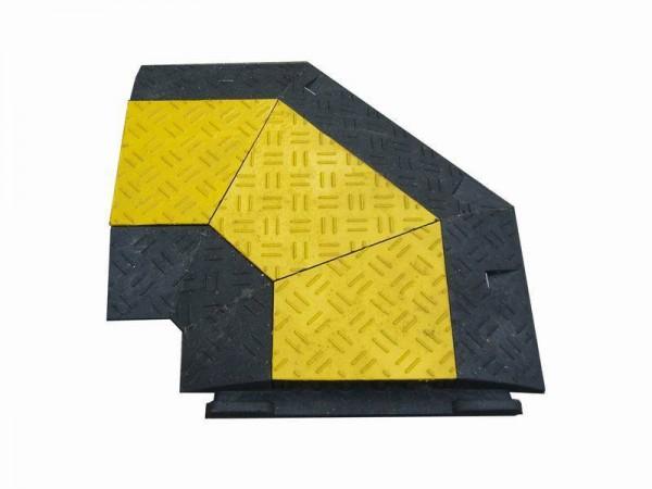 Kabelbrücke / Schlauchbrücke mit Deckel (schwarz/gelb) 90°